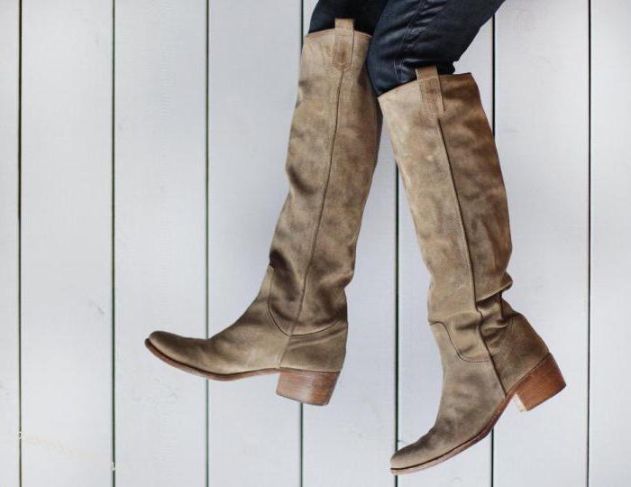 4095aa67d656f0 Замшеві чоботи на плоскій підошві: з чим носити, як доглядати